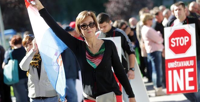Utjelovljenje žutog sindikalizma: u dogovoru s upravom, Maja Rilović je dio radnika odvela na burzu, a dio u teži materijalni položaj