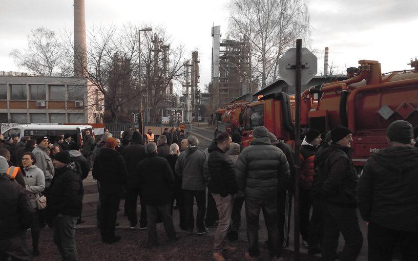 Prosvjed protiv zatvaranja Rafinerije nafte Sisak